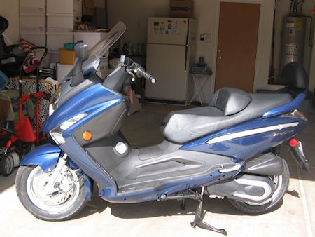 Chuck Fuizzotti SYM 250RV scooter picture
