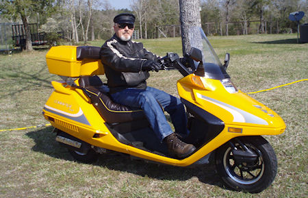 Sam Ruple on his QLink Commuter scooter picture