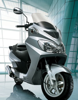 A Daelim S2 Scooter