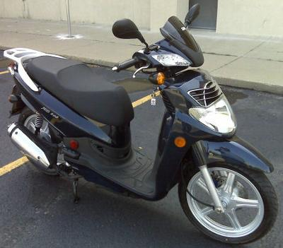 James Rogers - Proud SYM HD 200 Scooter Owner