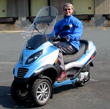 2008 piaggio mp3 250 scooter review. Black Bedroom Furniture Sets. Home Design Ideas