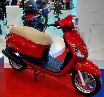Here's the red version of this scooter!